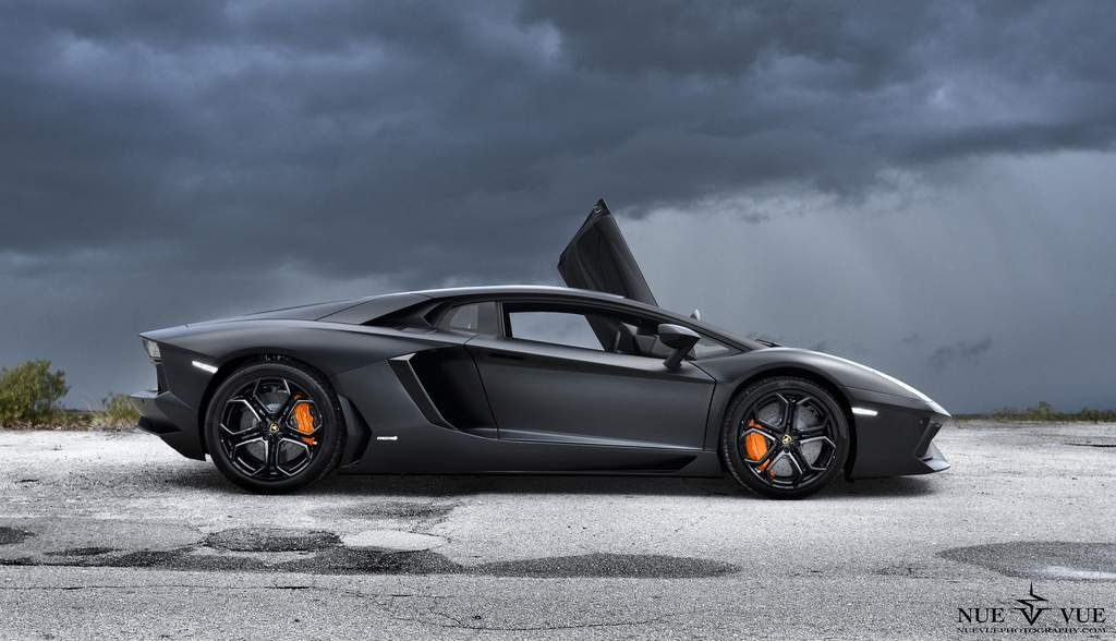 A Glorious Black Lamborghini Aventador Gallery | Autofluence