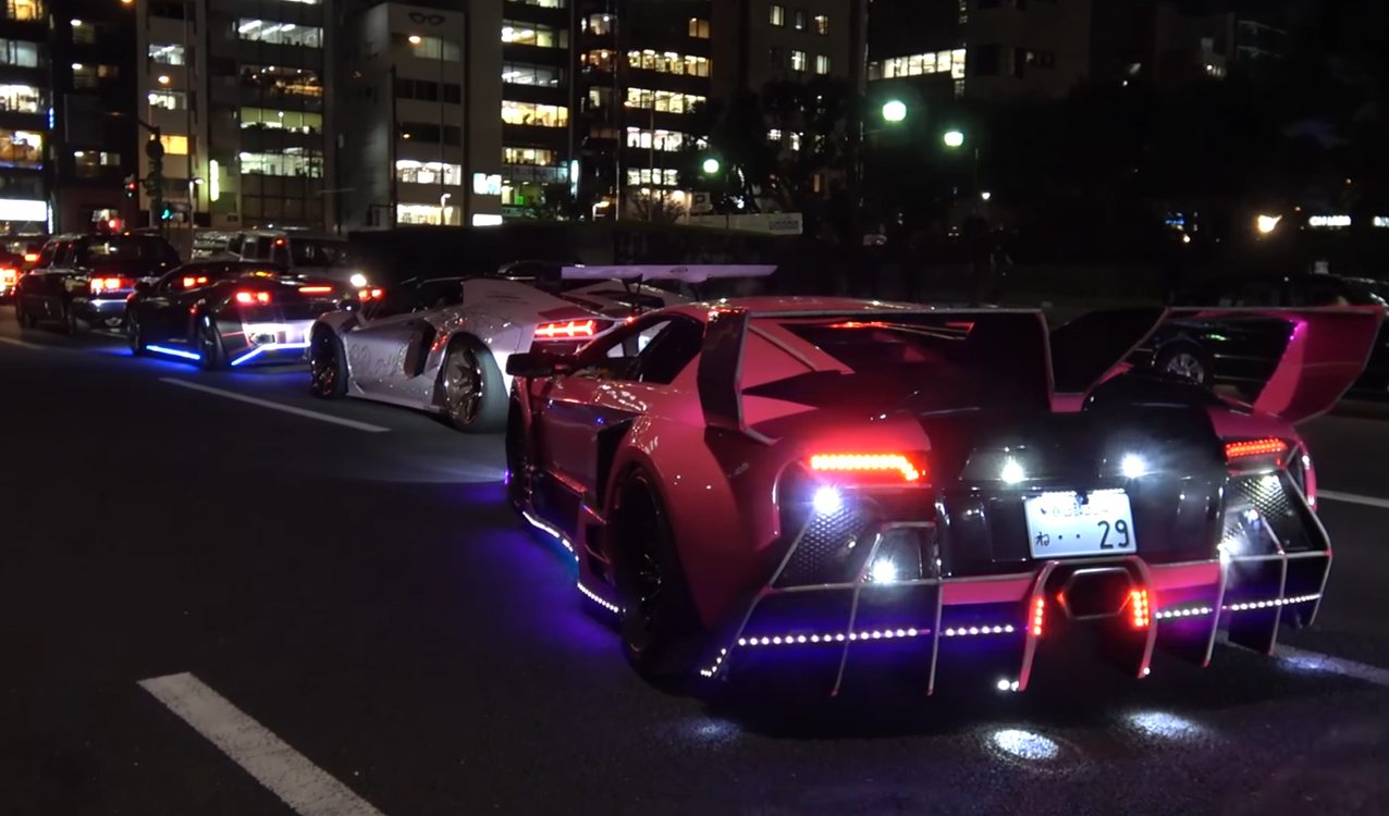 Lamborghinis For Sale >> Crazy Lamborghini Halloween Run in Tokyo