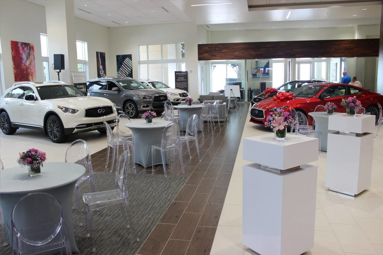 Larte design on display at new infiniti coral gables miami for Mercedes benz of coral gables service department