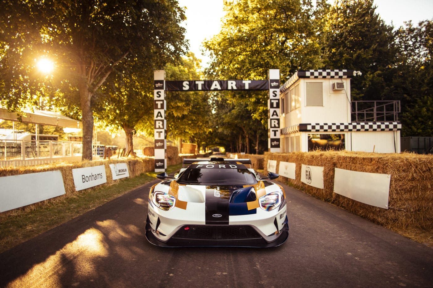 Watch the 700 HP Ford GT MK II Onboard at Goodwood